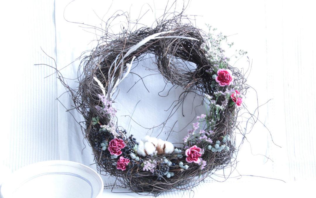 Ghirlande, nidi, intrecci che sanno di Natale